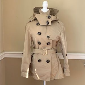 """Burberry """"Knightsdale"""" Honey Trench  size 6"""